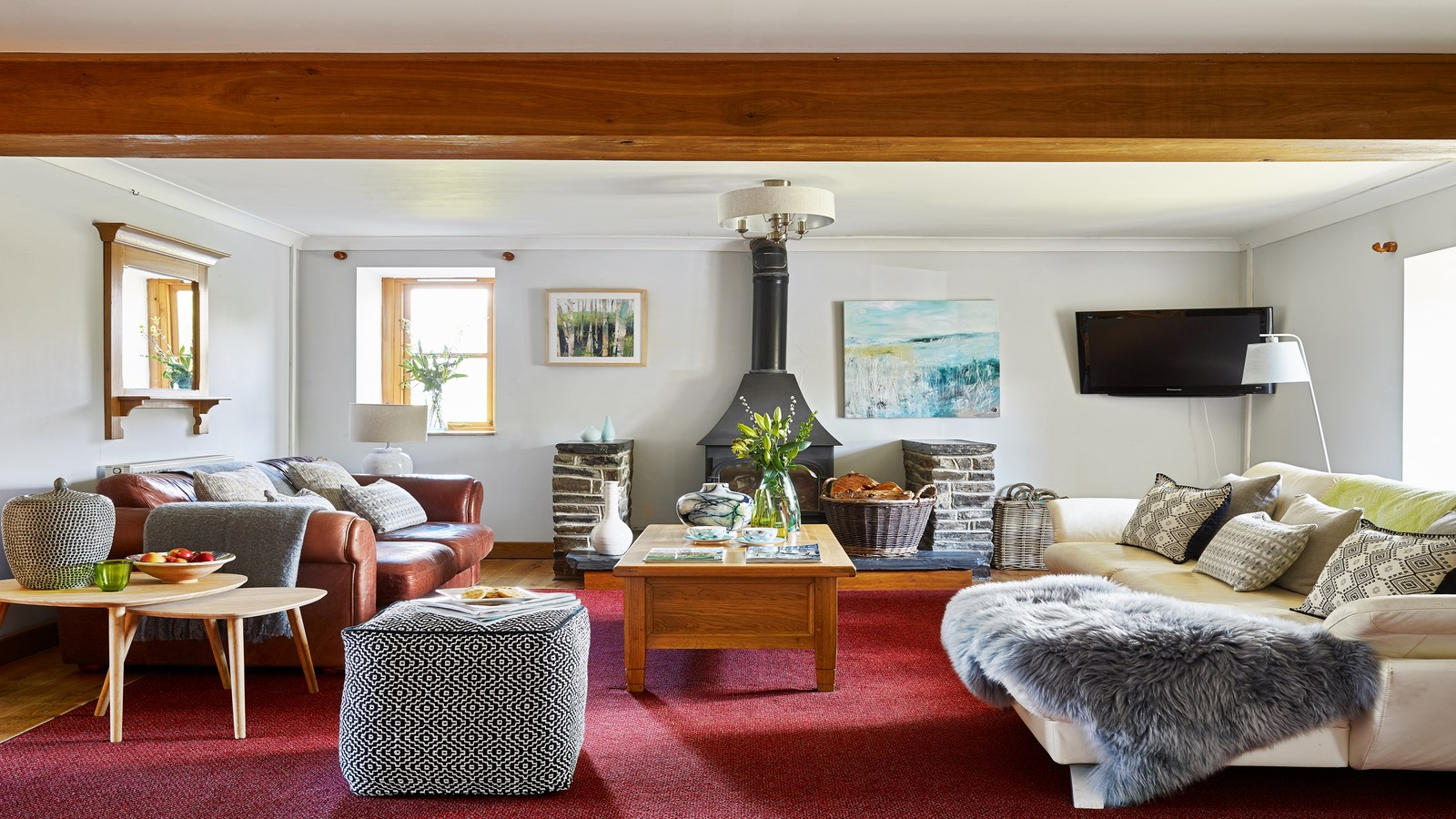 Farm house lounge 4000 x 2250